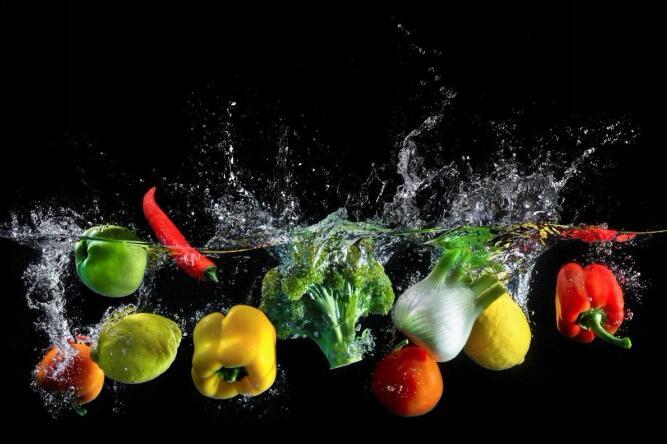 中国健康家庭调查报告:养成健康生活的关键,首推深紫外洗碗机! 时间:2020-03-02 16:32:10来源:第一家居网